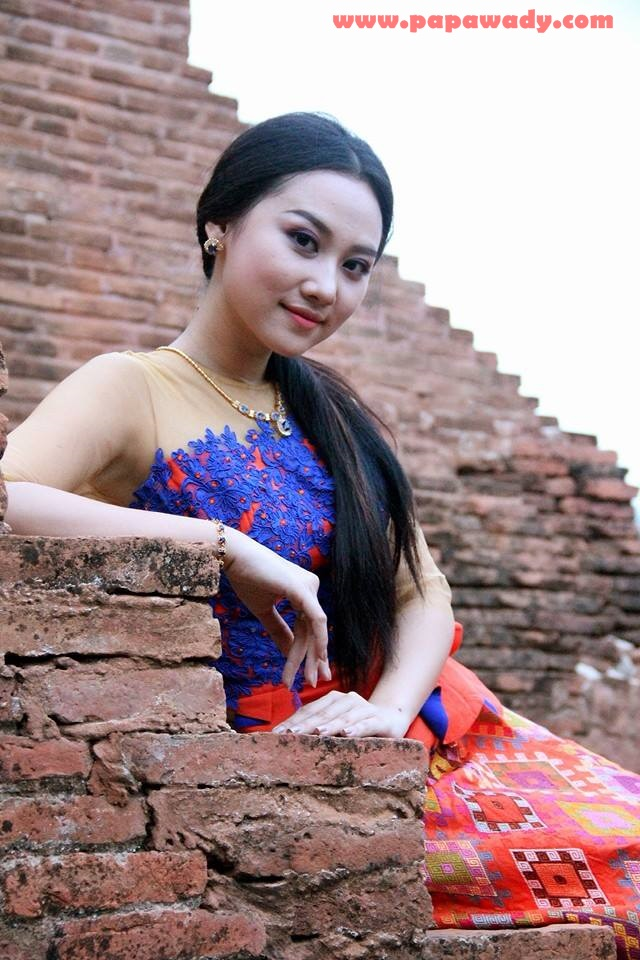 Amazing Photoshoot in Bagan : Myanmar Actress Thinzar Nwe Win