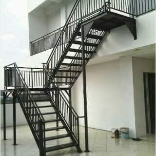 30+ bentuk tangga minimalis dari kayu, yang terbaru!