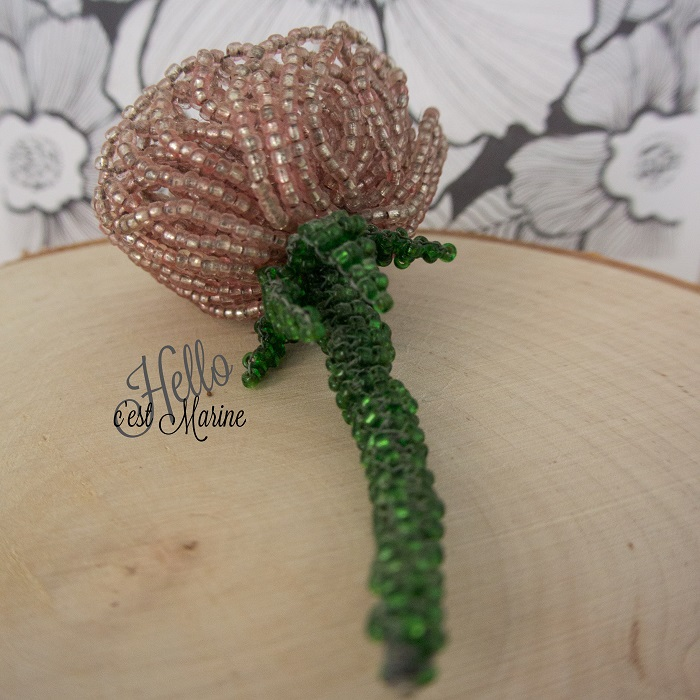 Rose 3D en perles de rocailles par Hello c'est Marine