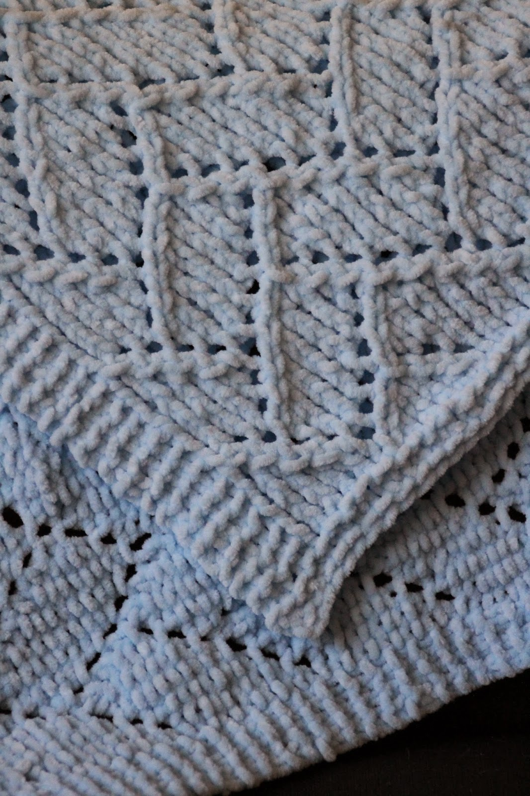 balls to the walls knits bricklayer 39 s lace baby blanket. Black Bedroom Furniture Sets. Home Design Ideas
