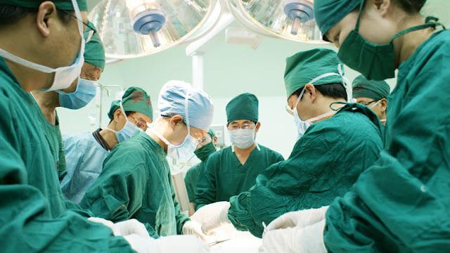 Ver para creer: Detienen a empleados de hospital chino por robar los ojos de un paciente que murió