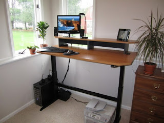 proper way to use a standing desk