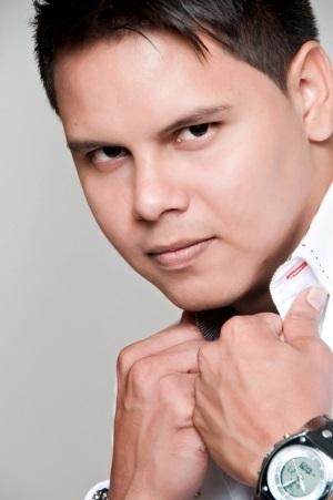 Rostro del cantante Richard Ugas