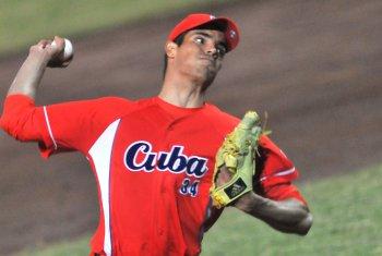 los Cardenales de San Luis le han otorgado la oportunidad a Mendoza, quien decidió alejarse del escenario del béisbol cubano en 2016 y buscar su arribo a las Grandes Ligas.