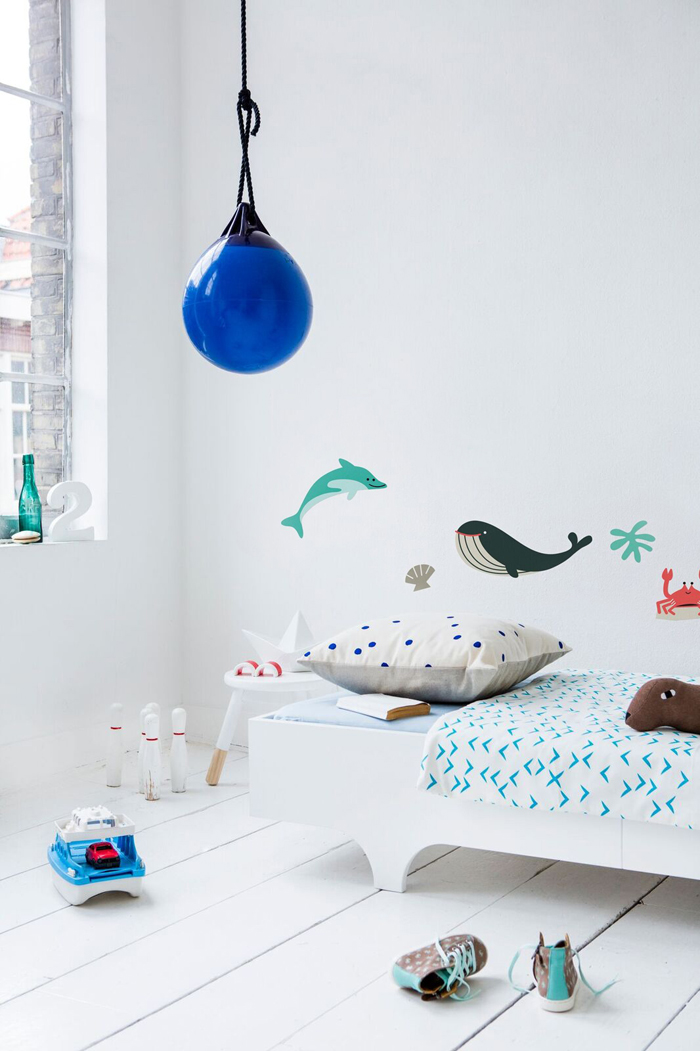 A TEEN BED WHITE with Makii wall sticker