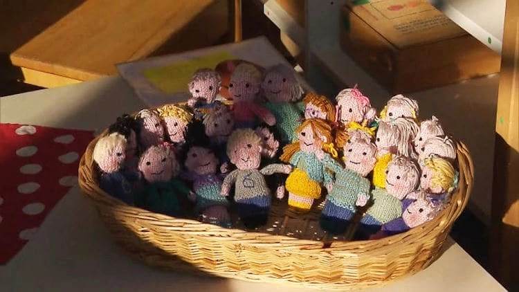 Teacher Knits 23 Adorable Little Dolls, Each Representing A Student In Her Class