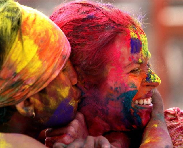 http://www.thehindu.com/news/national/colourful-celebration-of-holi-in-new-delhi/article2973987.ece
