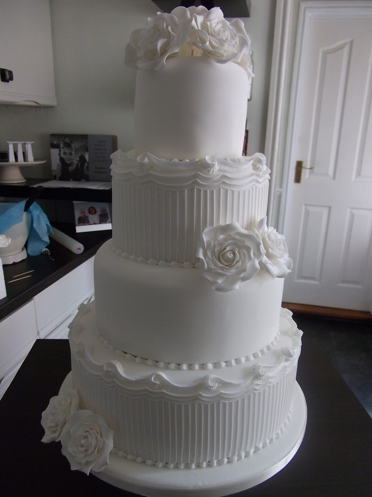 white wedding cakes images the cake co white wedding cake 27386