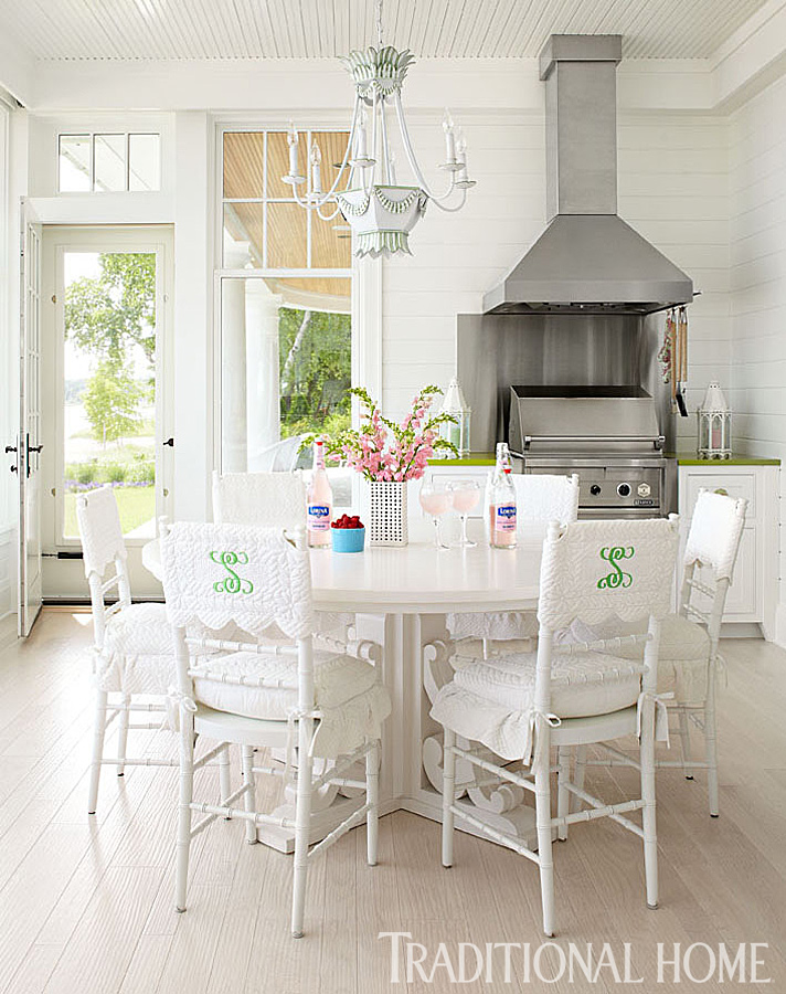 Hydrangea hill cottage a colorful summer home for Traditional home kitchens