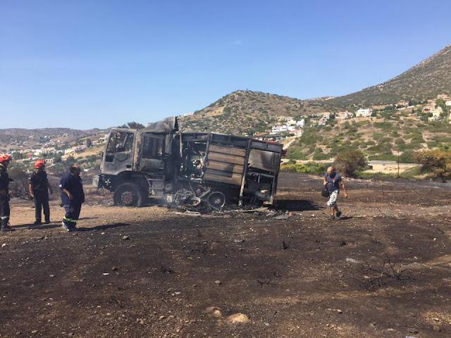 Με εγκαύματα πυροσβέστες από τη νέα φωτιά στην Ανάβυσσο
