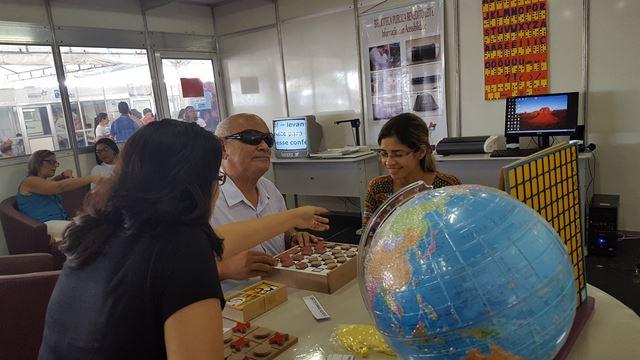 Visitantes marcam presença na 10ª FeliS que começou na segunda-feira e segue até domingo (13) na Praia Grande
