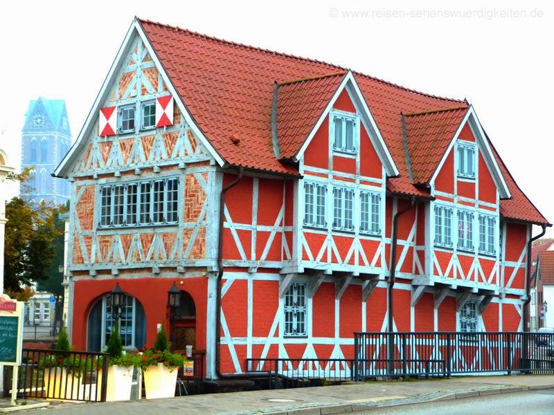 Gewölbe Wismar, Fachwerkhaus