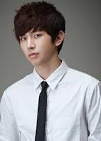 Biodata Ji Yoon-Ho sebagai Le Young-Kyoo