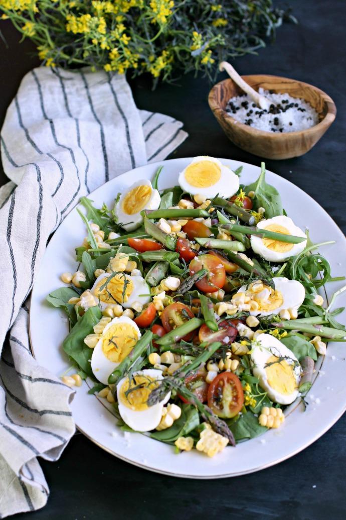 Market Salad with Eggs, Asparagus, Corn and Mizuna
