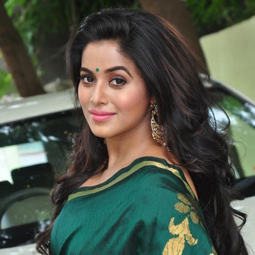Shamna Kasim aka Poorna latest photos from SR Fashion Studio Inauguration