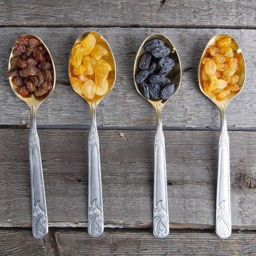 cuisine en folie poivrons farcis l 39 orientale aux raisins blonds et pignons. Black Bedroom Furniture Sets. Home Design Ideas