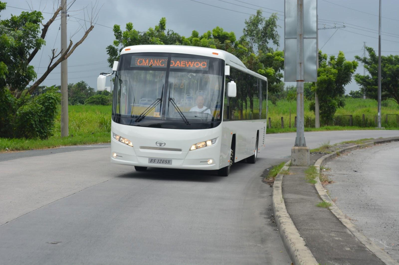 the new daewoo bs120sn low floor bus [ 1600 x 1066 Pixel ]
