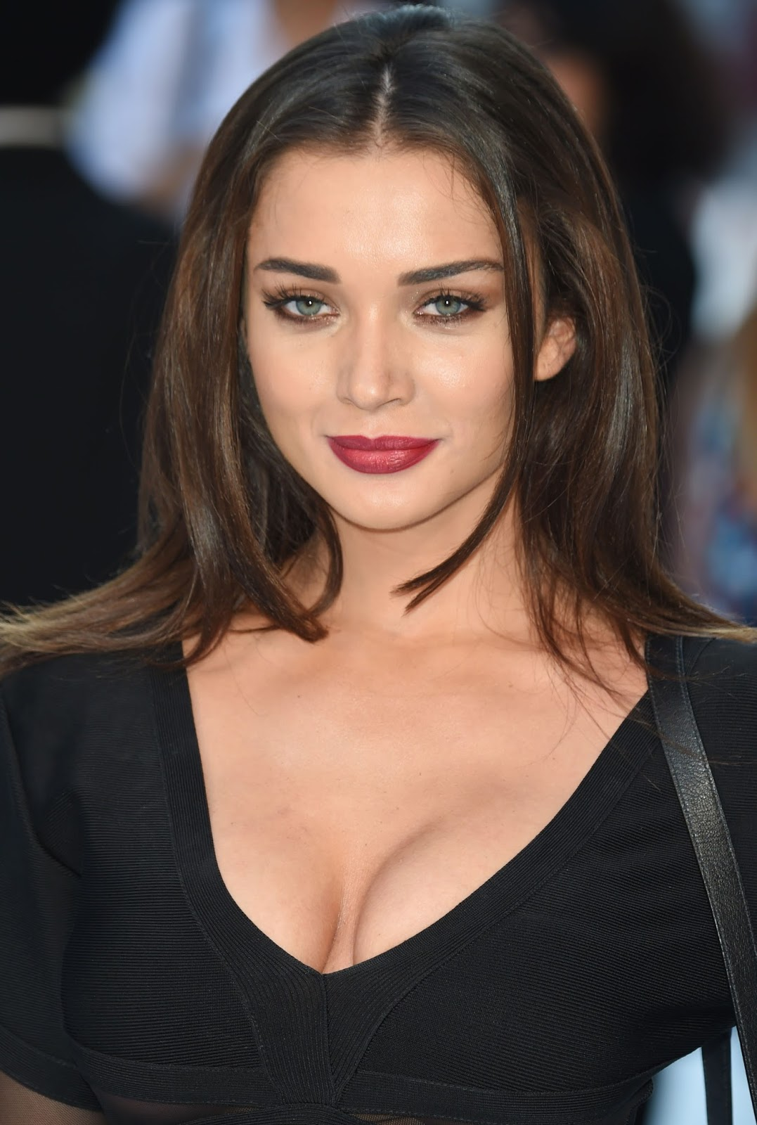 "Amy Jackson Miss Teen World 2009: ""I"" Actress Amy Jackson Hot Cleavage Show Pics"