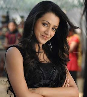 Trisha Krishnan Sexy Photos Cute Smile Make me Love Her