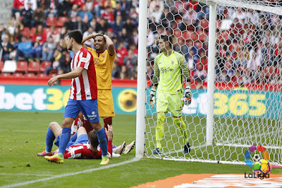 Crónica Sporting de Gijón 1 - Sevilla FC 1
