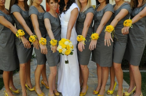 Wrist Corsages For Your Bridesmaids Full Diy Tutorial On Oh Lovely Day
