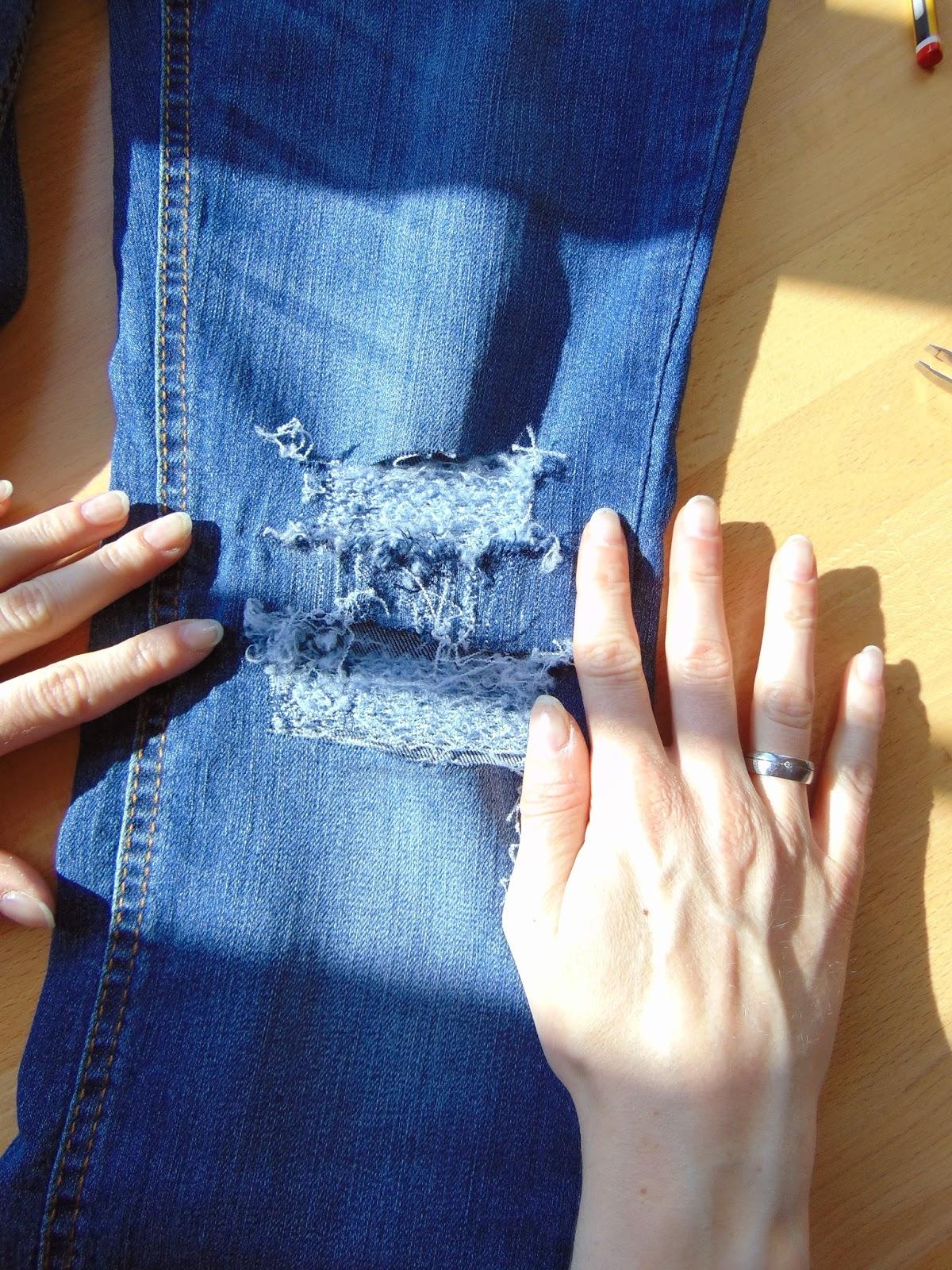 Top DIY- Gestalte deine eigene Ripped-Jeans - Stylingkitchen @EZ_26