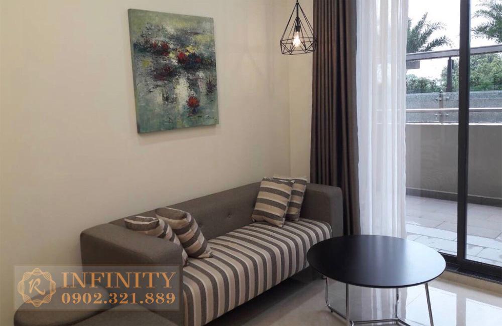 Căn hộ Everrich Infinity cho thuê - sofa phòng khách