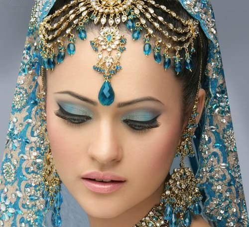 Indian Bridal Eye Makeup: Posted Bycheeky At 15:15