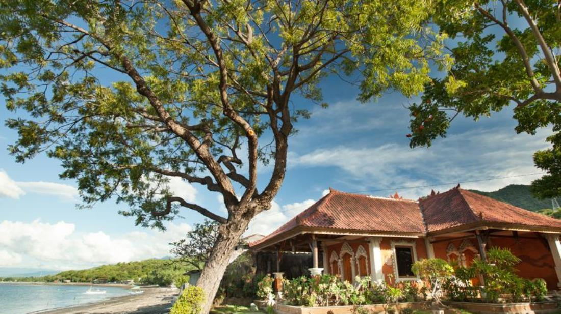 Segara Bukit Seaside Cottages