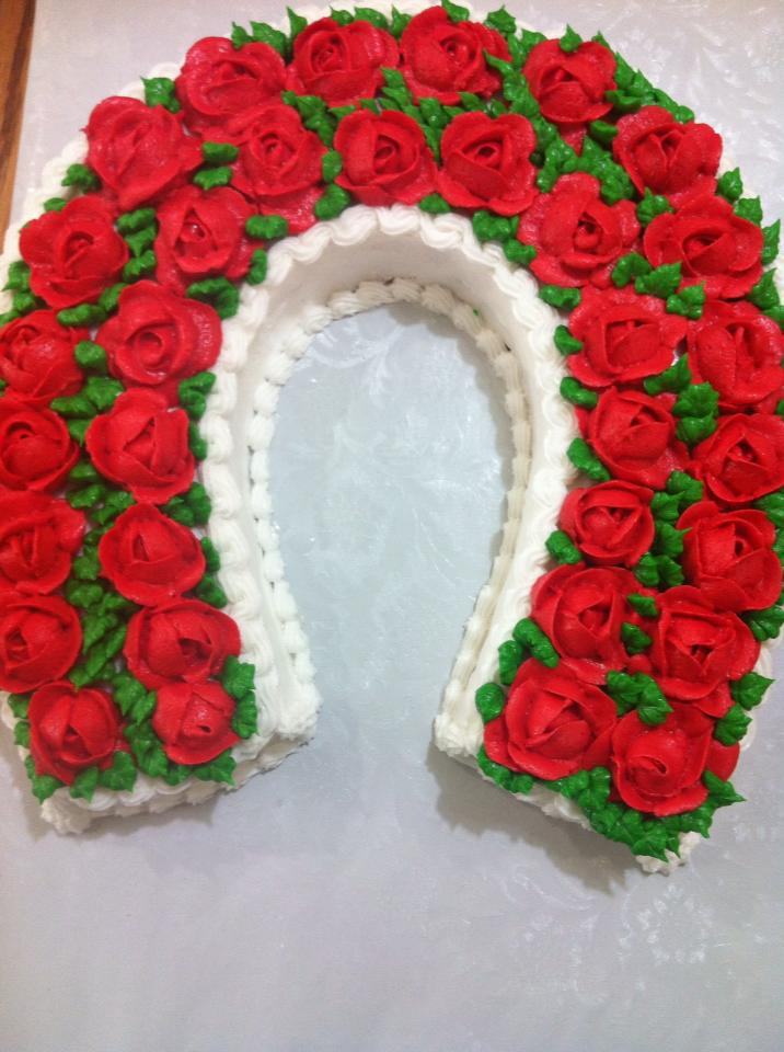 Life and Other Shenanigans Icing Roses and a Kentucky Derby Garland of Roses Cake