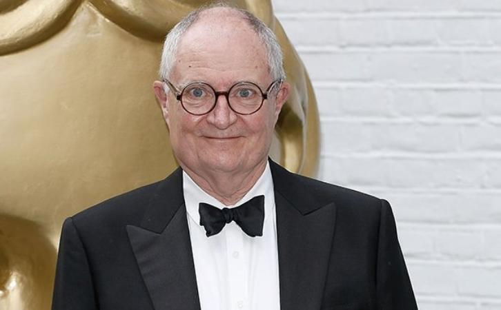 Game of Thrones - Season 7 - Jim Broadbent Shares Details on His Character