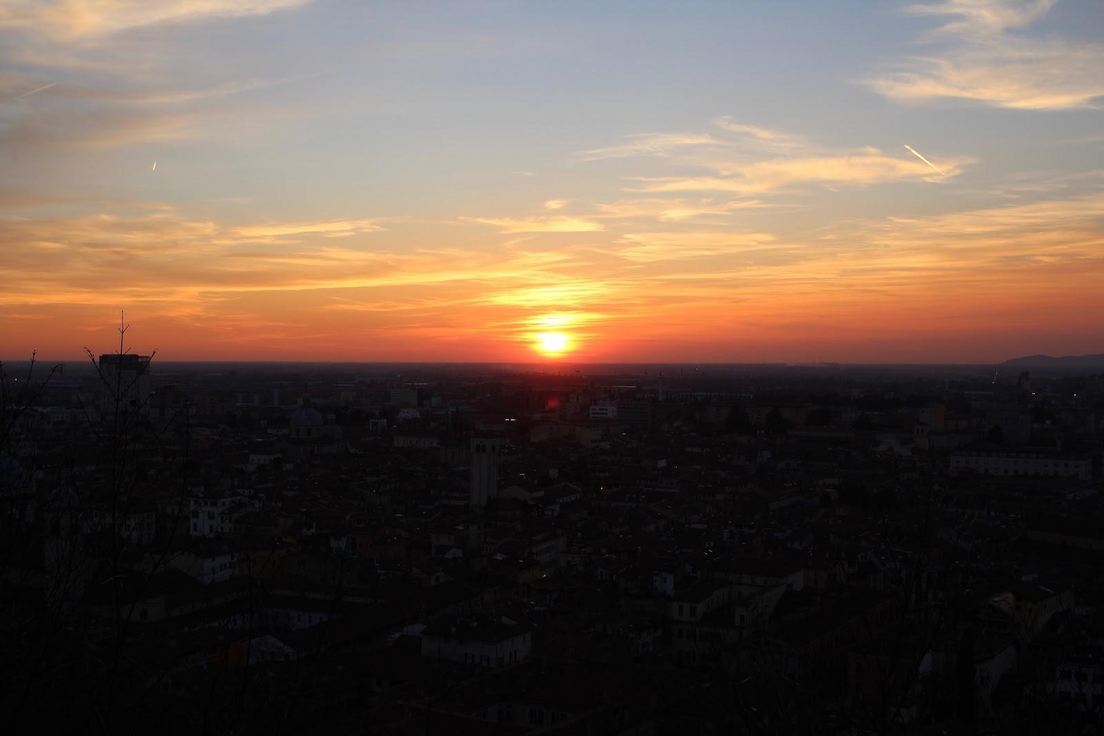 peexo travel blogger italy sunset brescia
