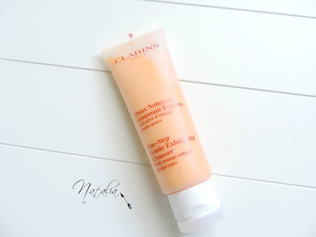 Clarins-One-Step-Gentle-Exfoliating-Cleanser-With-Orange-Extract