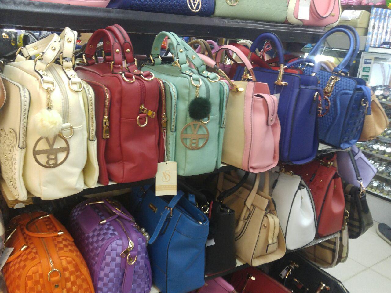 Beberapa tempat belanja tas branded nan murah di batam di antara nya adalah  di toko butik yang ada di Mall Nagoya Hill 3e3235d4be