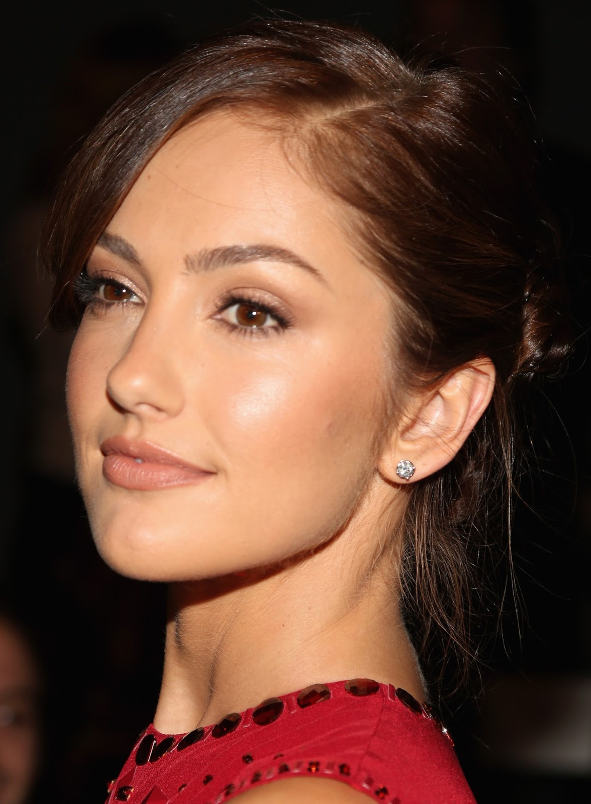 Red hot Minka Kelly Sizzles in a Backless Dress at Mercedes-Benz Fashion Week