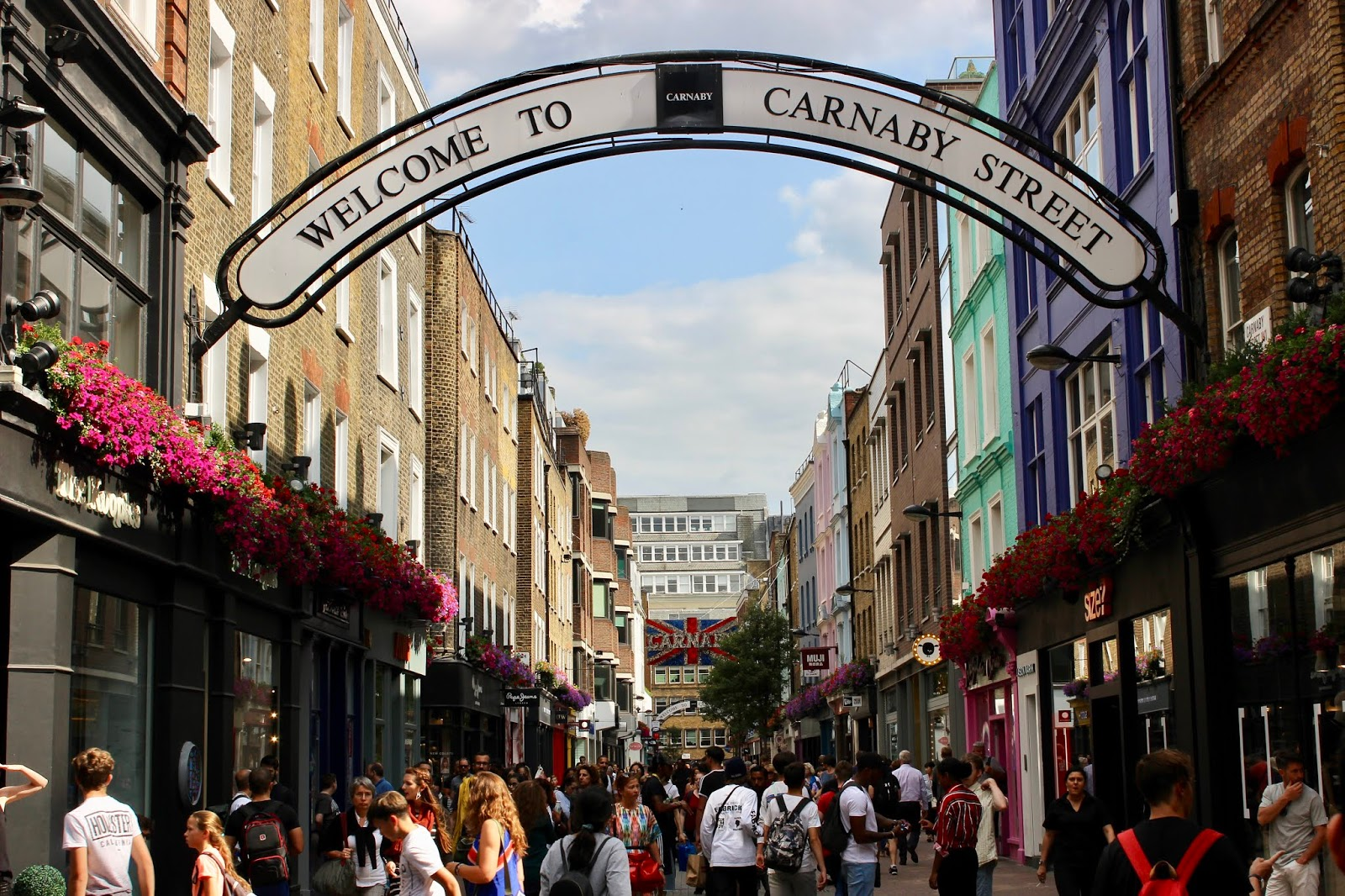 Image of 'Welcome to Carnaby Street' street sign