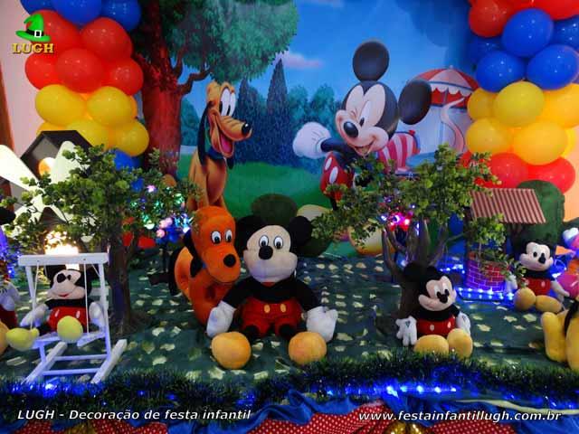 Decoração infantil tema Mickey Mouse - Mesa do bolo de aniversário