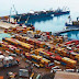 Perú quiere 'arrebatar' carga boliviana del puerto de Arica