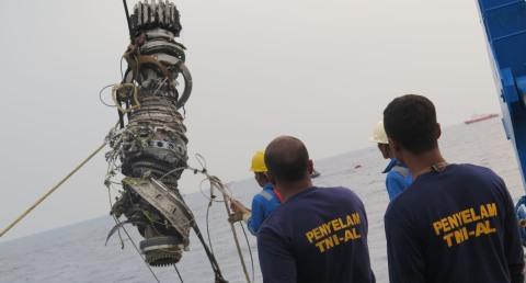 Kabar Terbaru!!! Power Supply dan Turbin Mesin Lion Air JT 610 Ditemukan Tim Gabungan