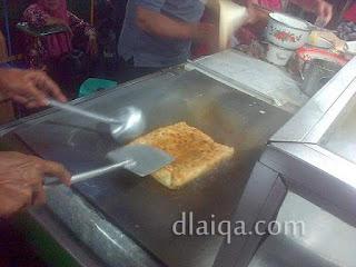 proses pembuatan martabak telor (1)