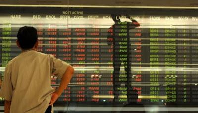 Investor yang Mengamati Pasar