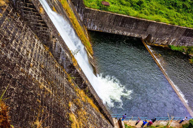 Neerar Dam - from the top
