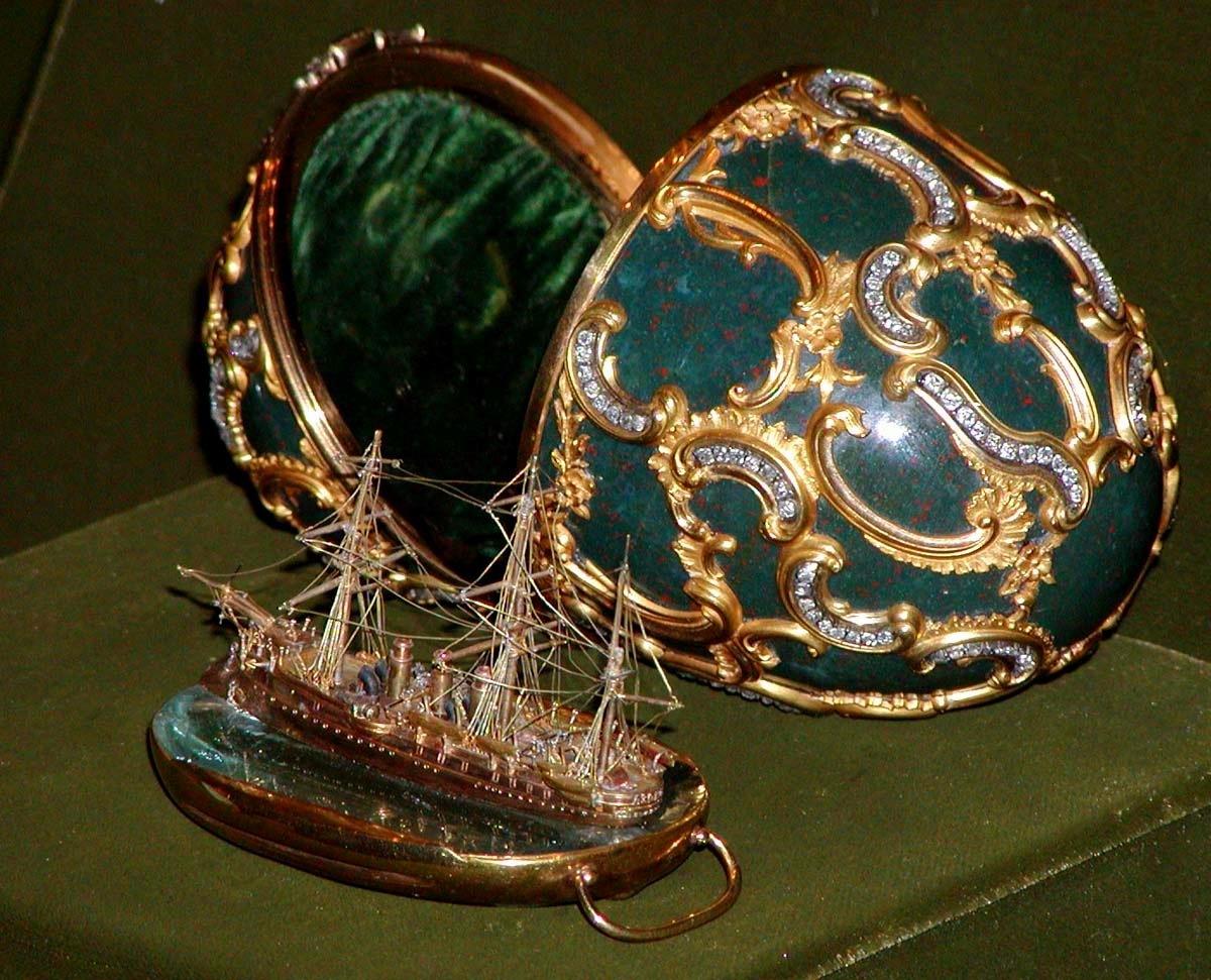 Foto de um Ovo de Fabergé - Navio