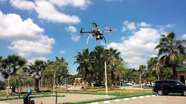 Review Drone Rakitan DJI NAZA F450: Garang Seperti Robot Terbang