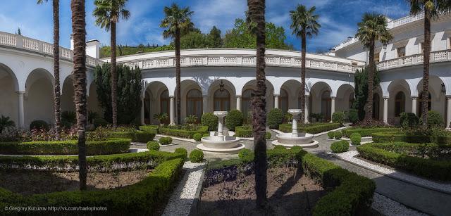 Ливадийский дворец. Интерьеры. Итальянский дворик