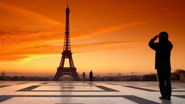 Foto Eiffeltoren in Parijs bij zonsondergang