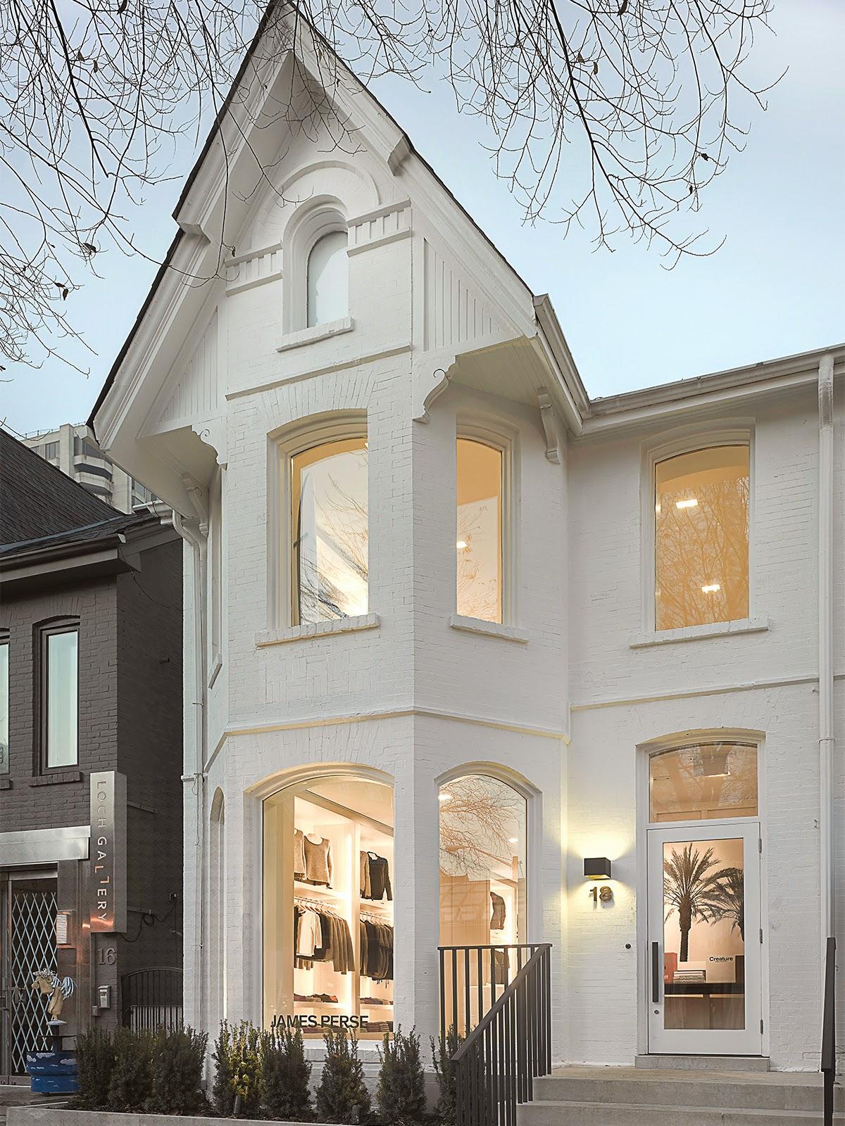Modele fatade de case moderne cum profile decorative for Case moderne design