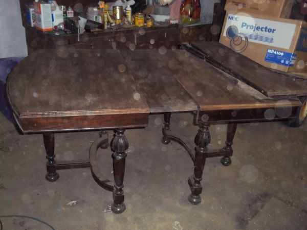 Table with orbs