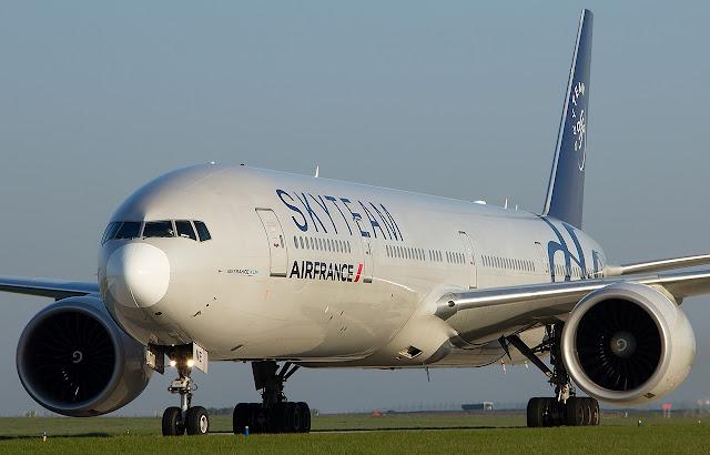 air france boeing 777-300er skyteam livery