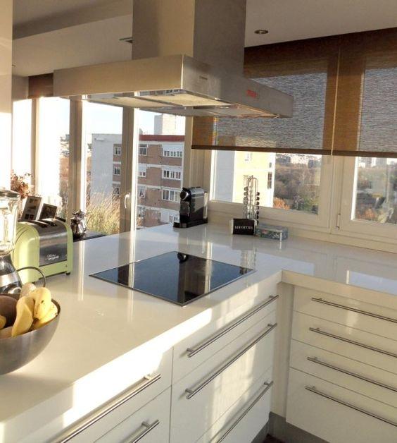 Salón comedor y cocina en el mismo espacio